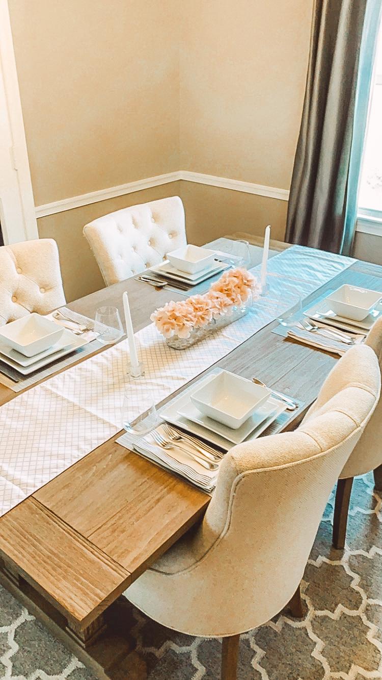 Dinning table settings